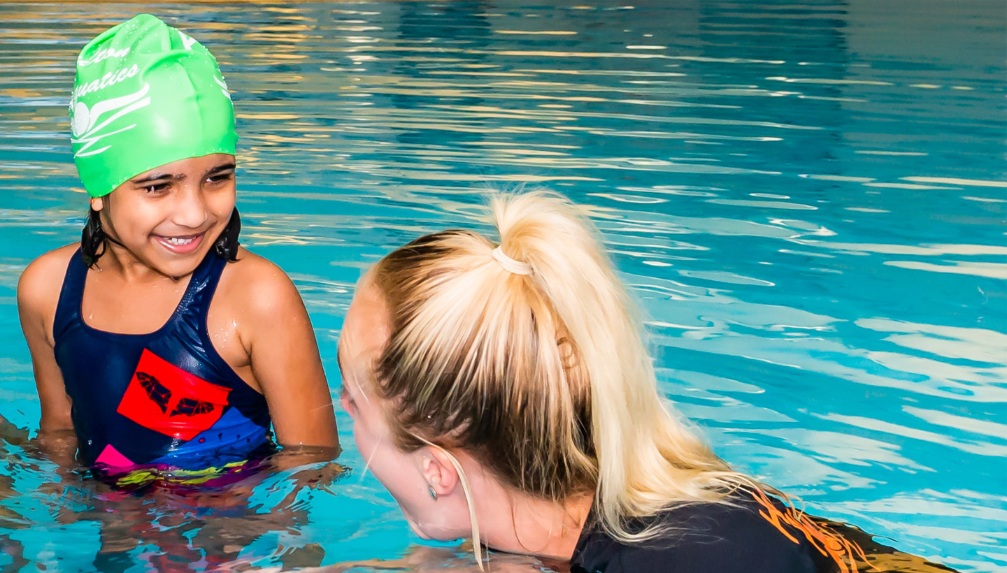 become a qualified swim teacher with hamilton training